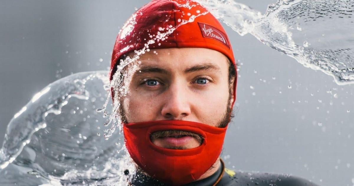 Ce bonnet de bain peut aussi protéger votre barbe quand vous nager