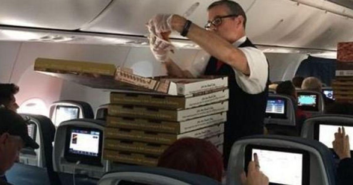 Un pilote offre des pizzas gratuites aux passagers de son avion